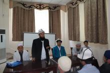 Азирети муфтий Жалал-Абадда окуп жаткан имамдарды зыярат кылды