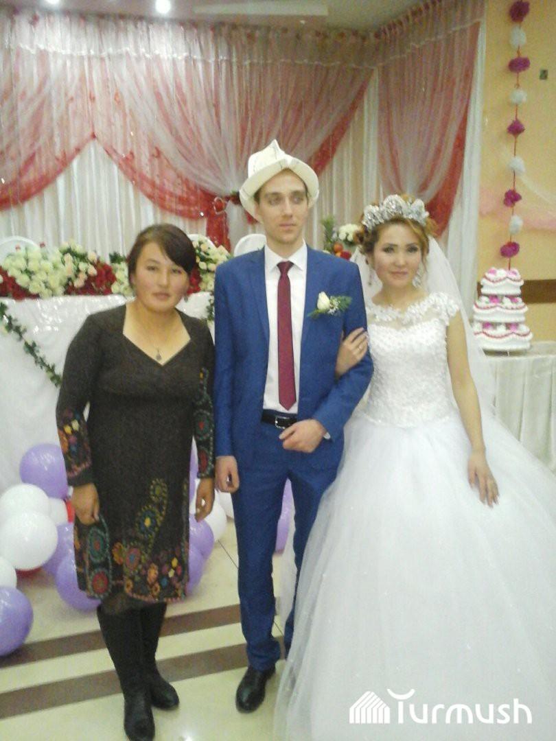 Житель Москвы женился на девушке из Кадамжая и принял ислам